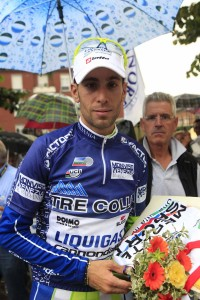 Nibali in maglia blu leader classifica generale (Foto Pisoni)