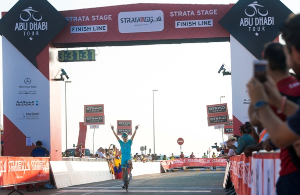 "Estonia's Tanel Kangert of Astana Pro Team on the finish line of the 150 km ""Strata"" Third stage of Abu Dhabi cycling race from AlAlain to Jebel Hafeet, UAE, 22 October 2016. ANSA/CLAUDIO PERI"